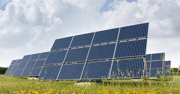 綠電搶購戰!科技巨擘買爆 海量錢潮灌入再生能源